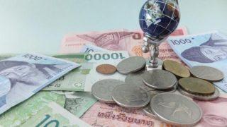 s-世界の貨幣と地球儀