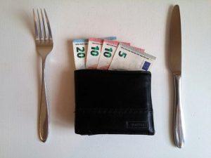 s-money-2159310_640