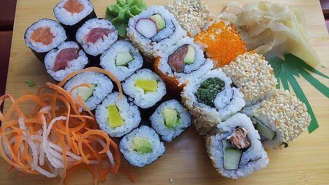 s-sushi-173506_640