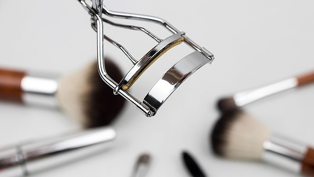 s-eyelash-curler-10