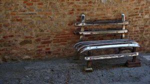 s-bench-2155811_640