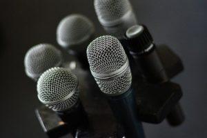 s-microphone-3315985_640